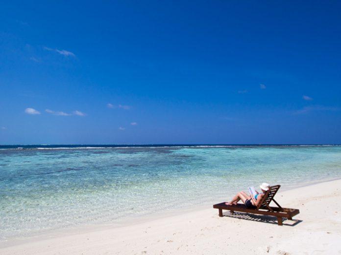 resort-diving-in-the-maldives-vaavu-atoll-oceanic-village-1